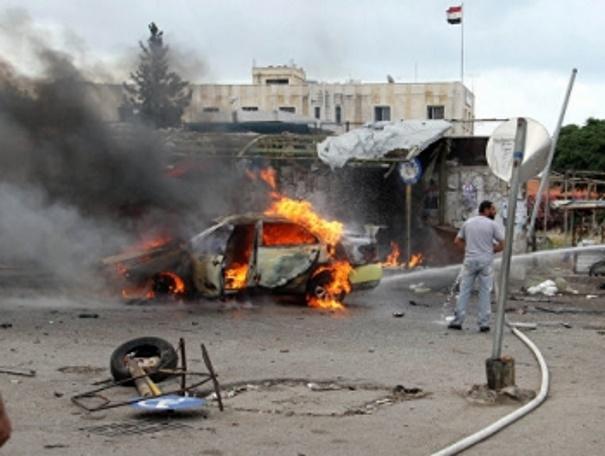 В Сирии рядом с группой беженцев взорвали три заминированные машины
