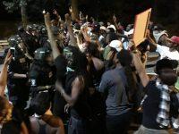 В США после убийства чернокожего вспыхнули массовые беспорядки (видео)