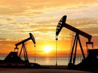 В США рекордными темпами растет количество нефтяных буровых установок