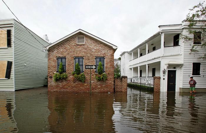 В США хотят выделить 29 млрд на помощь пострадавшим от ураганов и наводнений
