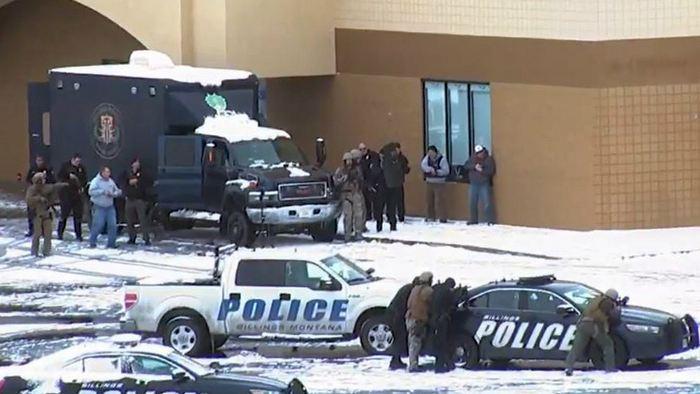 В США злоумышленник обстрелял полицейских и кинул в них гранату