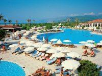 В Турции значительно снизился доход от туризма