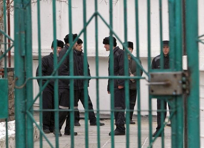В Украине заключенным разрешили пользоваться интернетом