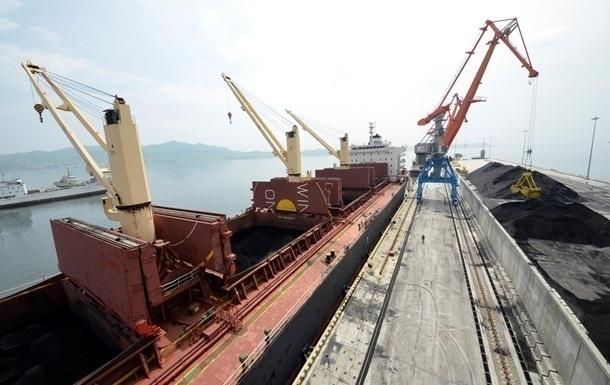 В украинский порт зашлопервое судно с углем из ЮАР