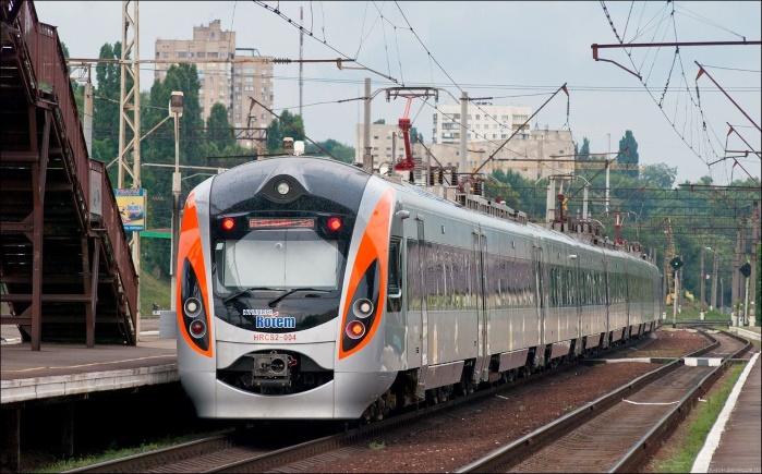 """В """"Укрзализныце"""" планируют увеличить на 20% стоимость билетов"""