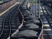 """В """"Укрзализныце"""" подсчитали уголь вывезенный с оккупированных территорий"""