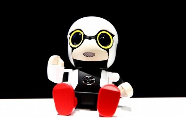В Японии создали робота-малыша для общения с одинокими людьми (фото, видео)