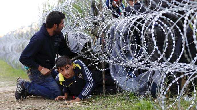 Венгрия потребовала от Евросоюза денег за пограничный забор