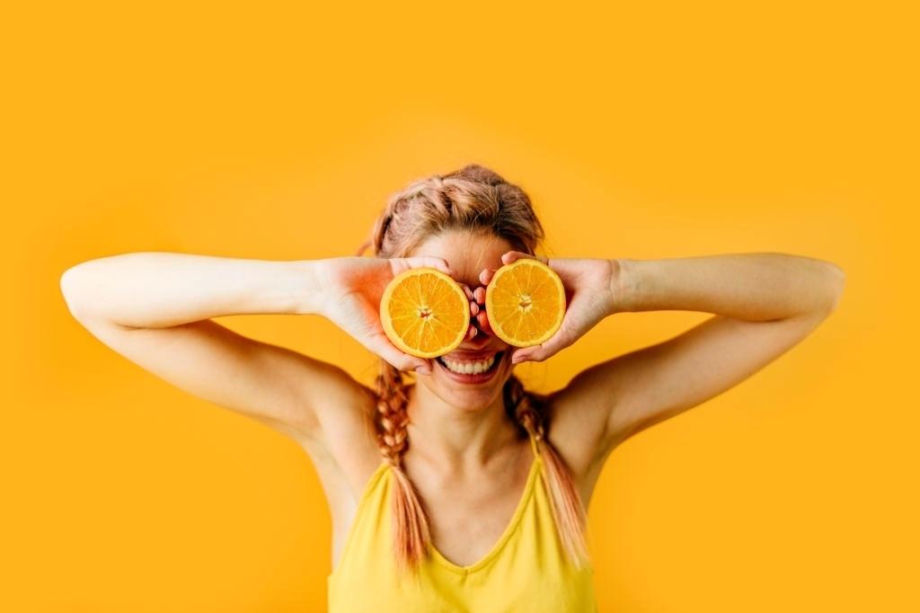 витамин с в таблетках, витамин с для чего нужен, витамин с как принимать, для чего полезен витамин с, витамин с вред, витамин с суточная доза, суточная норма витамина с, витамин с сколько можно пить, витамин С 1000 мг капсулы или шипучие таблетки, что будет если пить витамин С каждый день, как влияет витамин С на кровь, почему витамин C должен поступать в организм человека ежедневно, какая норма витамина С в день fdlx.com