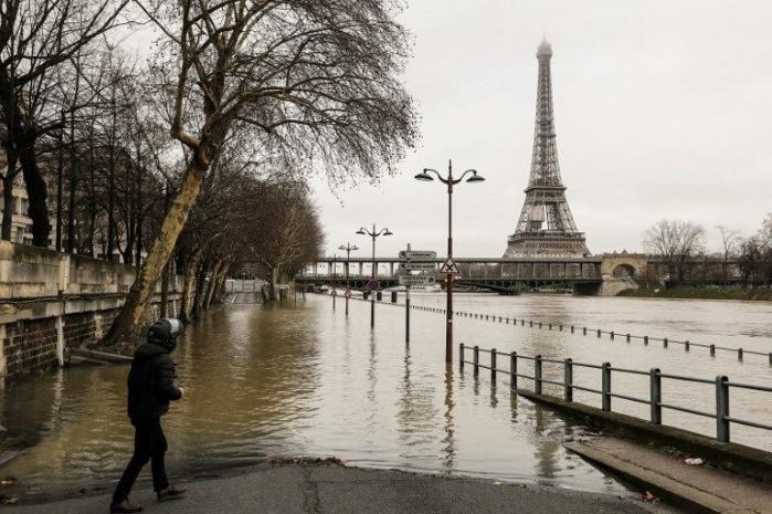 Во Франции наводнение: реки Сена и Рейн вышли из берегов