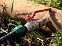 Водопровод на даче: основные преимущества и особенности