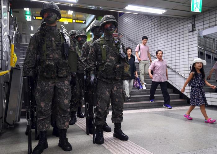 Военные США объявили об эвакуации американцев из Южной Кореи