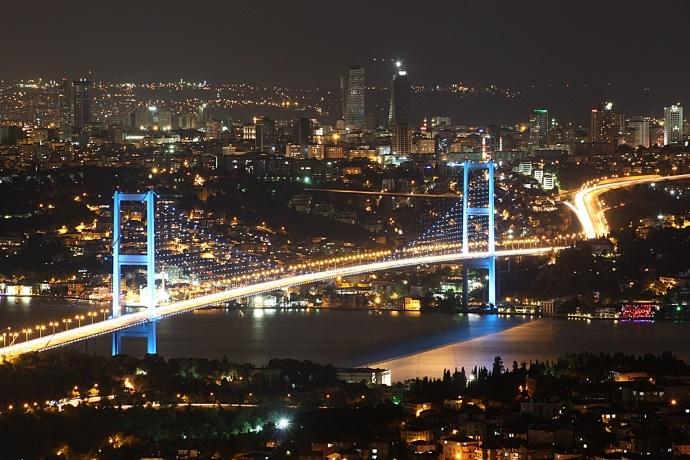 Военные Турции закрыли пролив Босфор