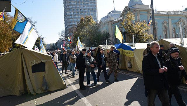 Возле Верховной Рады митингующие объявили ультиматум Порошенко из двух пунктов