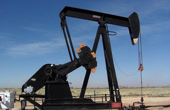 Впервые с марта нефть Brent обвалилась ниже 50 долларов