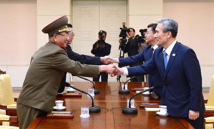Впервые за два года заработала межкорейская линия связи