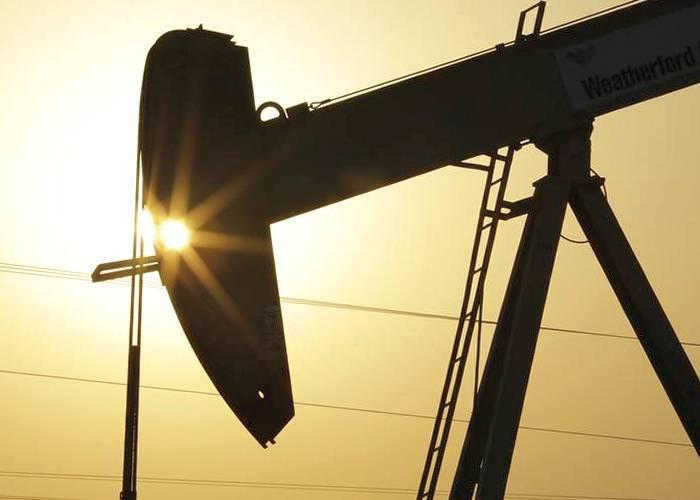 Все крупнейшие экспортеры нефти согласились сократить добычу сырья, - Bloomberg