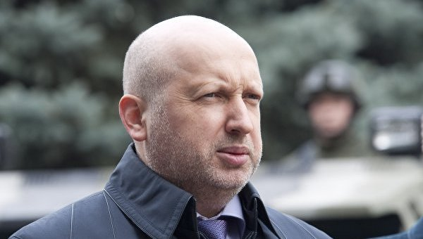 Все российское государство готовится к большой войне, – Турчинов