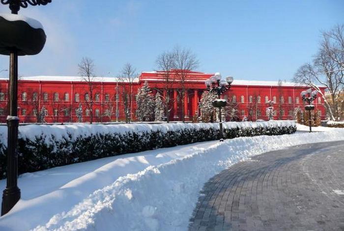 Нечем платить за тепло и свет: крупнейший вуз Украины закрывается до весны
