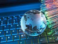 """Вузам Украины запретили пользоваться сайтами с доменом """".ру"""" и """".ru"""" (документ)"""