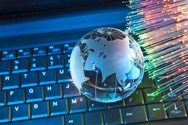 """Вузам Украины запретили пользоваться сайтами с доменом """".ру"""" и """".ru"""""""