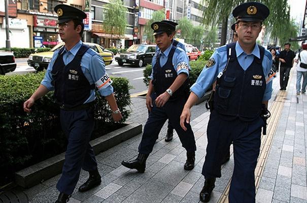 Япония: бывший священнослужитель с мечом устроил в храме резню