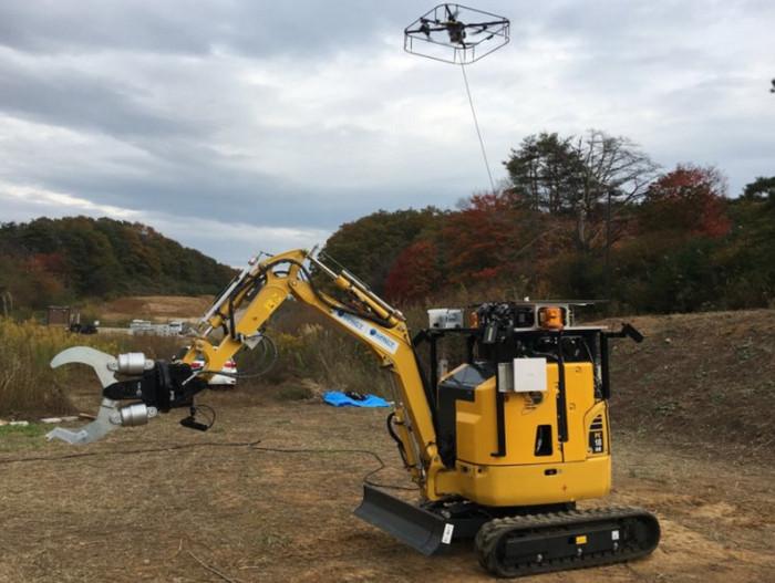 Японские ученые создали робота-спасателя, оснащенного БПЛА