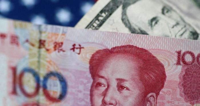 Юань вырос до 25-месячного максимума на фоне распродажи доллара