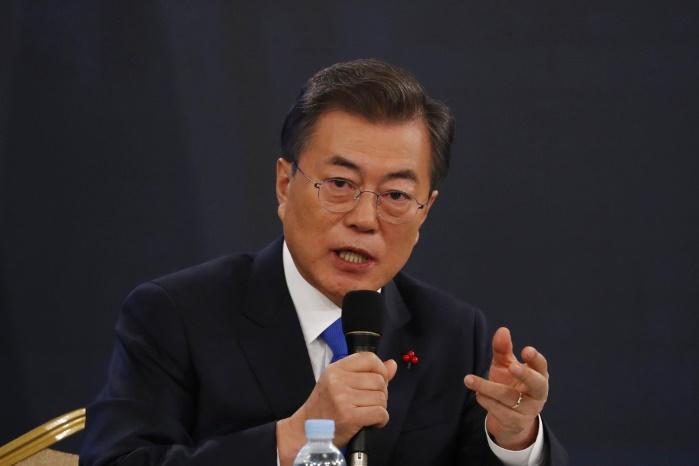 Южная Корея требует от КНДР объяснить отмену визита северокорейской делегации