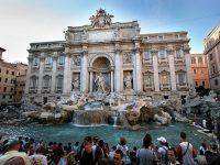За год туристы бросили в римский фонтан Треви монет на сумму 1,4 миллиона евро