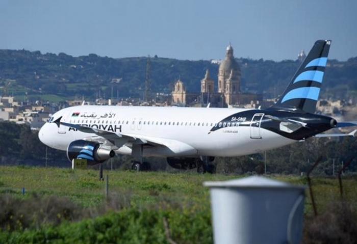 Захват ливийского самолета А320: террористы отпустили пассажиров