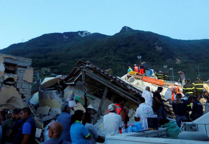 Землетрясение в Италии: есть погибшие и раненые
